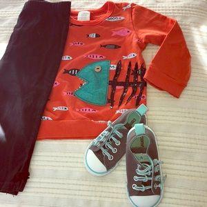 24m Girls fish shirt and black pants w leg bows